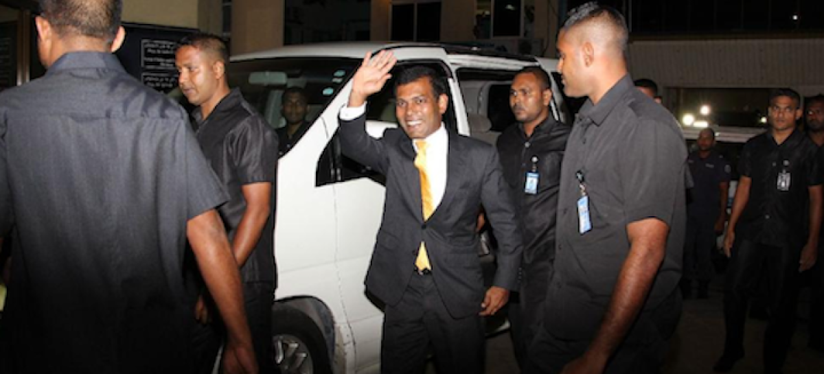 Nasheed arrives in Colombo as stalemate drags on in Maldives