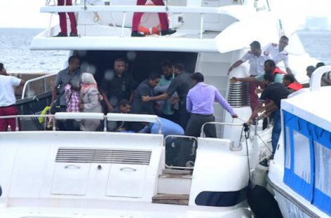 Explosion on president's speedboat, President Yameen unharmed