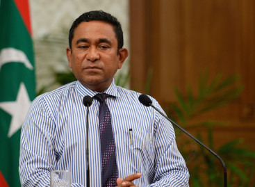 Maldives hires second public relations firm