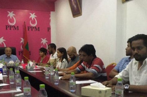 Gayoom rebuffs government's demand of council-endorsed representatives for talks