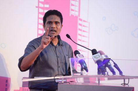 Islanders bashed over 'ingratitude' towards president