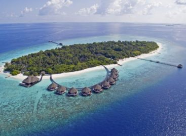 Two tourists drown in the Maldives