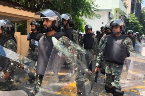 #MaldivesInLimbo as parliament stalls on state of emergency vote