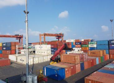 Veteran port workers challenge abrupt dismissal