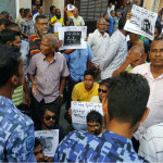 Police continue to block anti-corruption protests