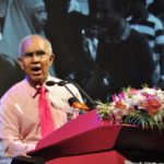Elder statesman rails against authoritarian reversals