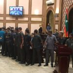 Majlis resumes with soldiers surrounding speaker