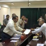 Nasheed submits candidacy papers for MDP primary
